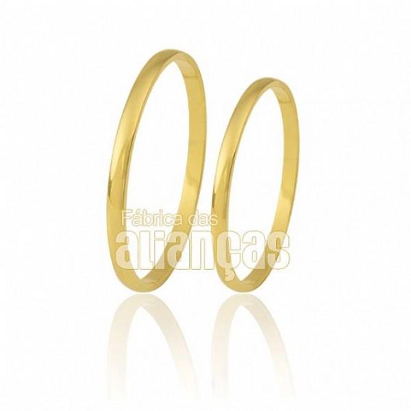 Alianças finas tradicionais em ouro 18k