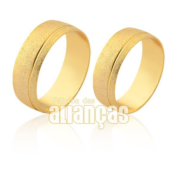 Alianças diamantadas com friso de ouro 18K