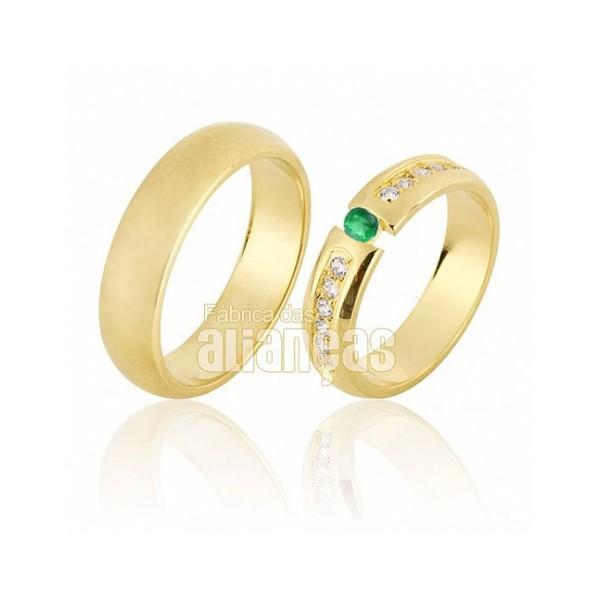 Alianças De Noivado e Casamento Em Ouro Amarelo 18k 0,750 Fa-640-esmeralda