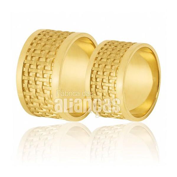 Alianças de Noivado e Casamento em Ouro Amarelo 18k 0,750 FA-563