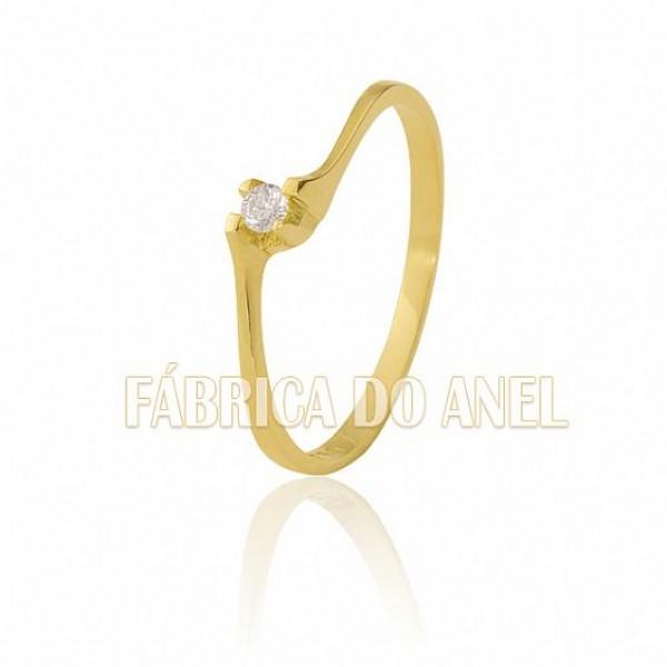 Anel Solitário em Ouro Amarelo 18k 0,750 S-08