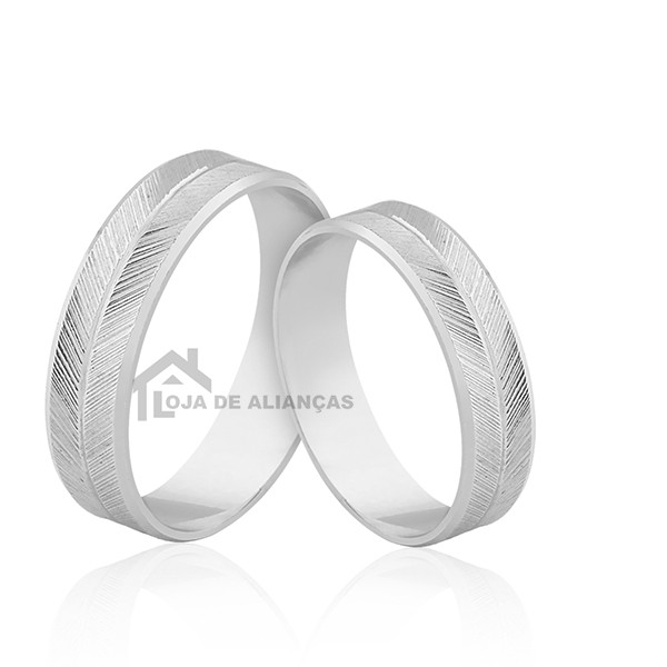 Aliança em Prata para Compromisso Diamantada