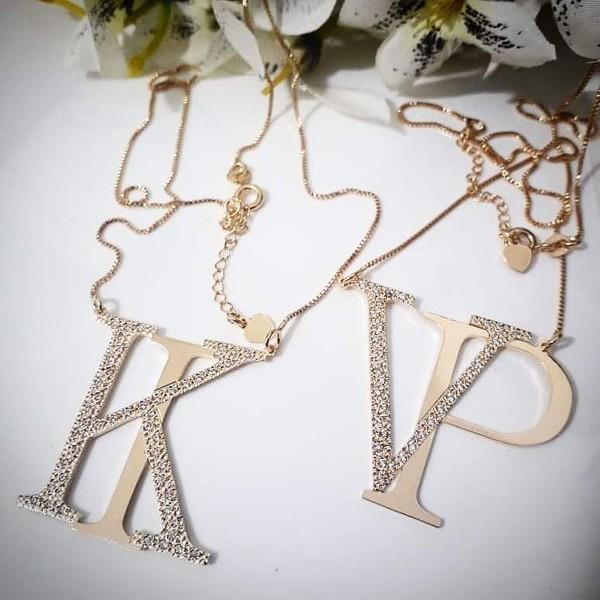 Gargantilha Monograma Cravejado em Zicônias Banhado a Ouro