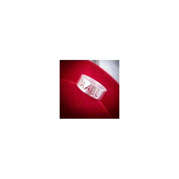Anel Personalizado Em Prata 925 com Nome Vazado
