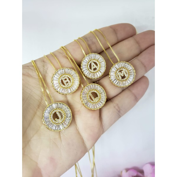 Mini Mandala Zircônias Com Inicial Banhada a Ouro