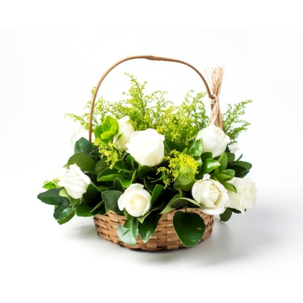Cesta com 15 Rosas Brancas