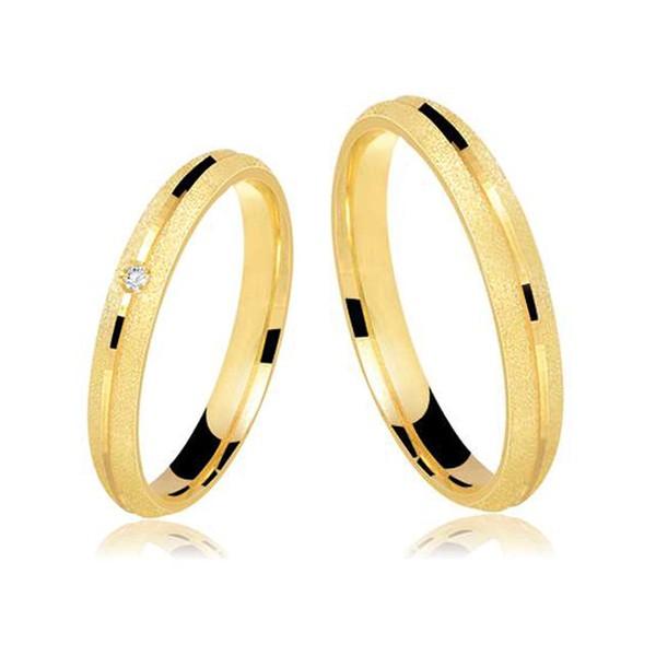 Alianças de casamento e noivado em ouro 18k 750 anatômicas com fosco diamantado e um diamante 3,5 mm