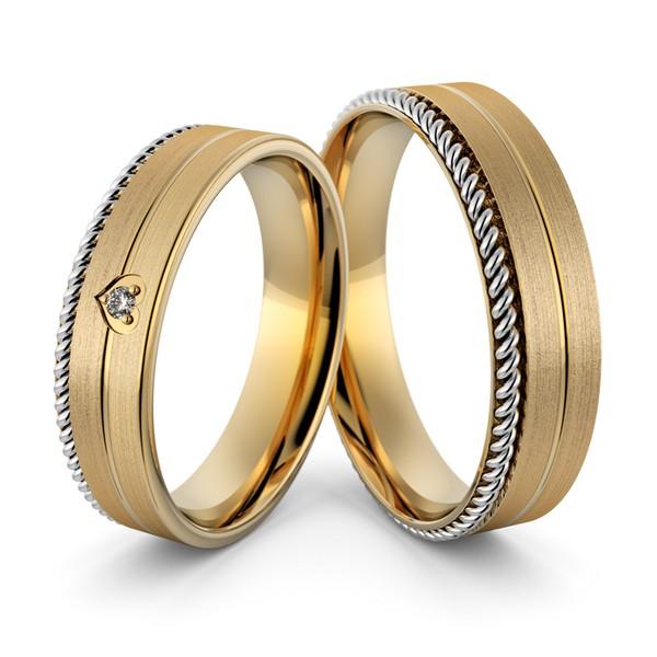 Aliança de Casamento e Noivado Trabalhada em Ouro 18k com Diamantes