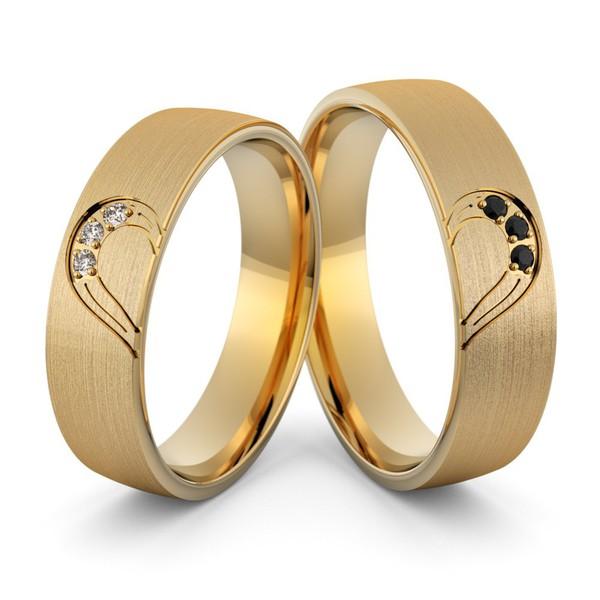Aliança em Ouro 18k Coração com Onix e Diamantes