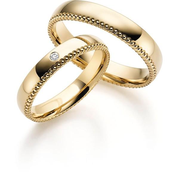 Aliança em Ouro 18k Trabalhada com Diamante