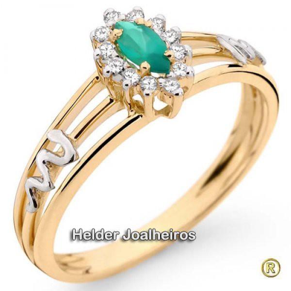 Anel de Formatura em Ouro 18k 750 com Diamantes