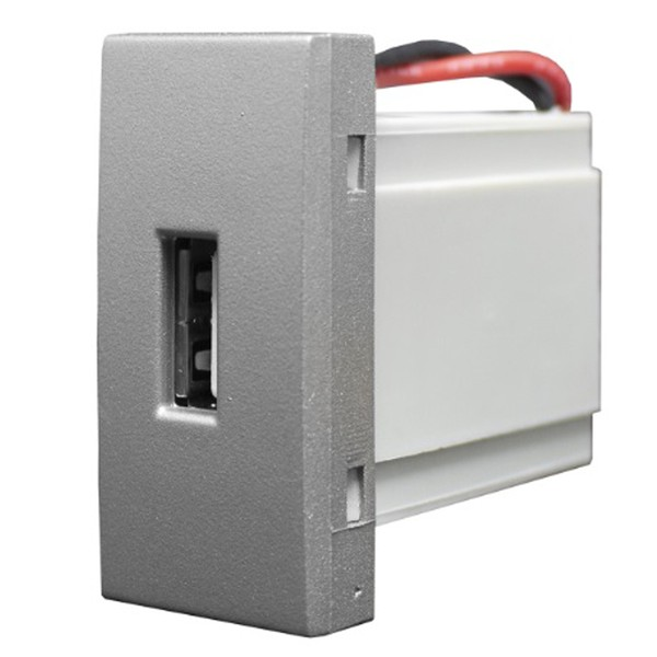 Tomada USB 85569 Titanium Inova Pró Class Alumbra