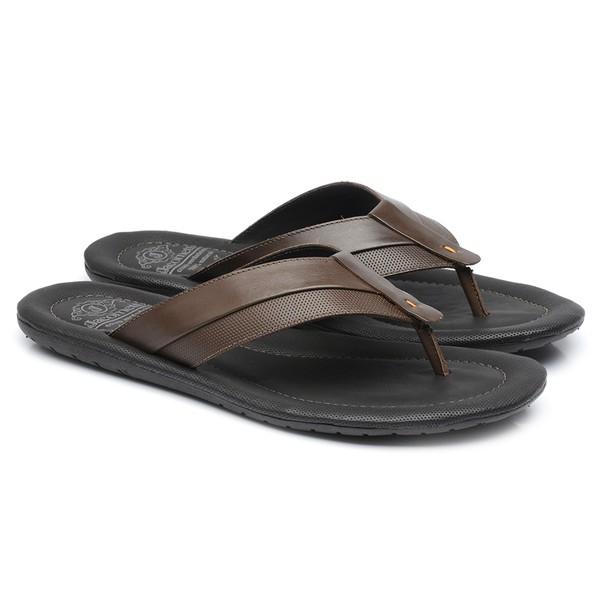 Sandália de dedo, estilo chinelo com solado de borracha.