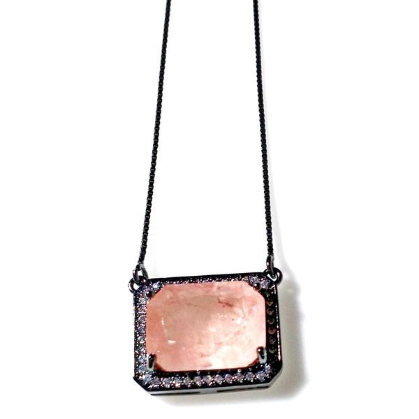 Colar Folheado a Ródio Negro com Pedra Fusion Rosa e Zircônias