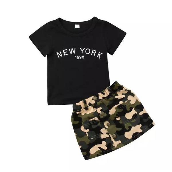 Camiseta Preta com Saia Militar