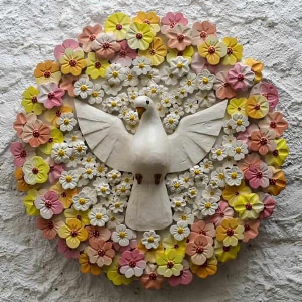 Divino Espírito Santo Mandala com Esculturas de Flores Coloridas 0,65 M