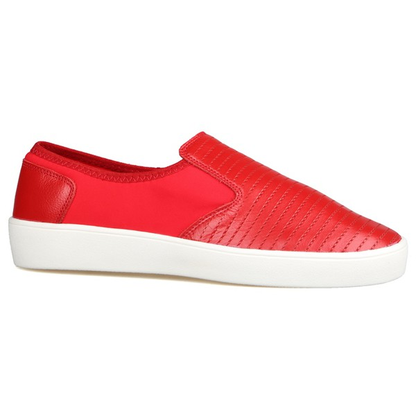 Slip On Matelassê Com Fibra Têxtil Elástica Vermelho