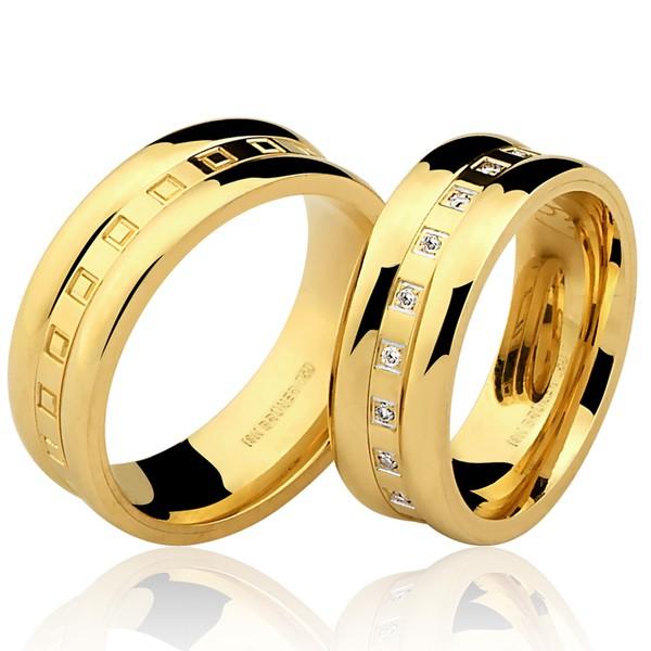 Aliança Trabalhada em Ouro 18k com 7 mm de Largura Com Detalhes de Quadradinhos e Diamantes