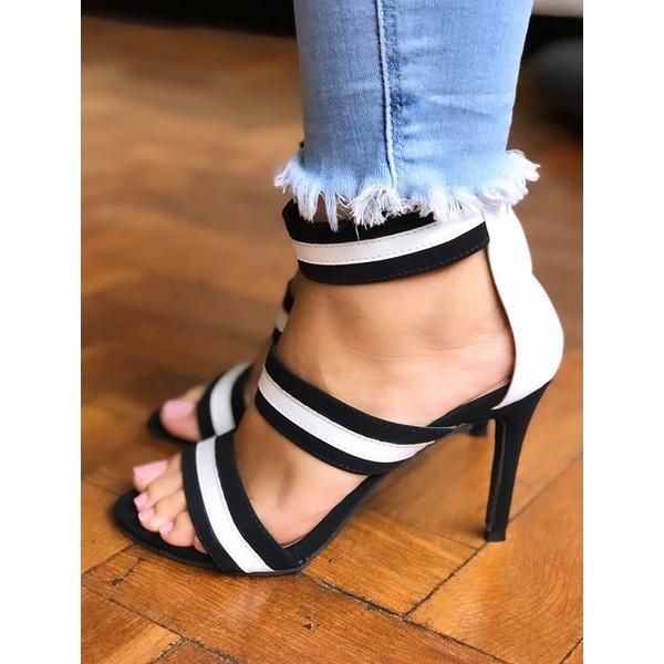 Sandália Preta E Branca Com 3 Tiras