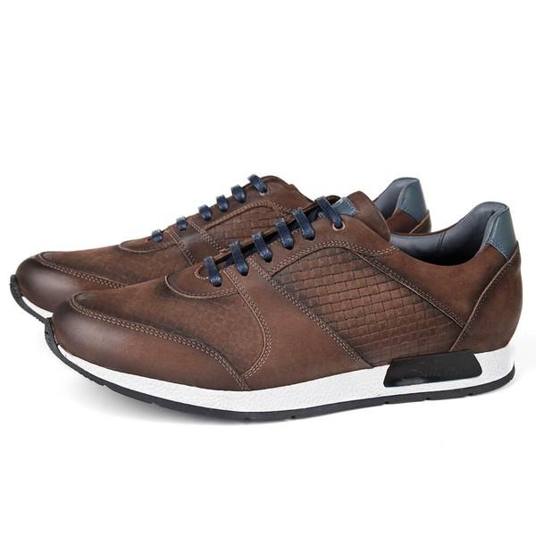 Sapato Casual Jogging em Couro Café Savelli