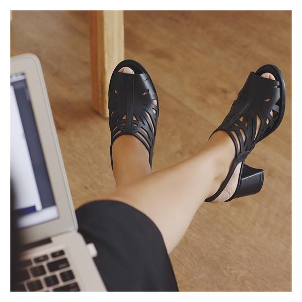 Sandália Salto Grosso Confortável Preto