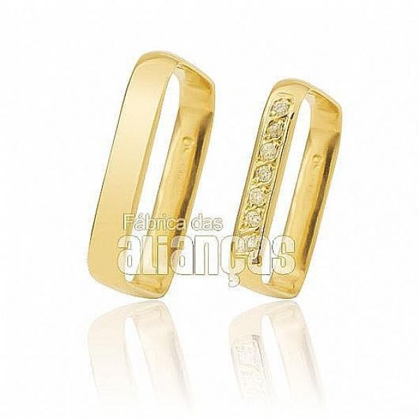 Alianças de Ouro 18k Quadradas com Diamantes