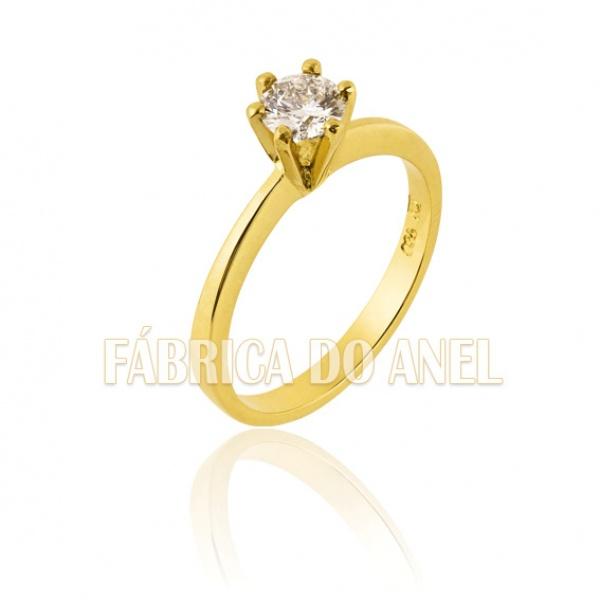 Anel Solitário Em Ouro Com Diamante De 0,50 Pontos
