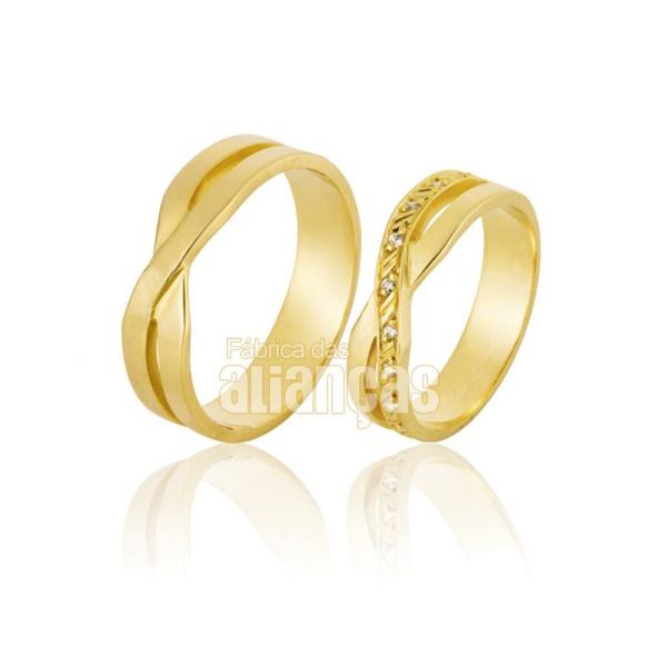 Alianças De Noivado e Casamento Em Ouro Amarelo 18k 0,750 Fa-793