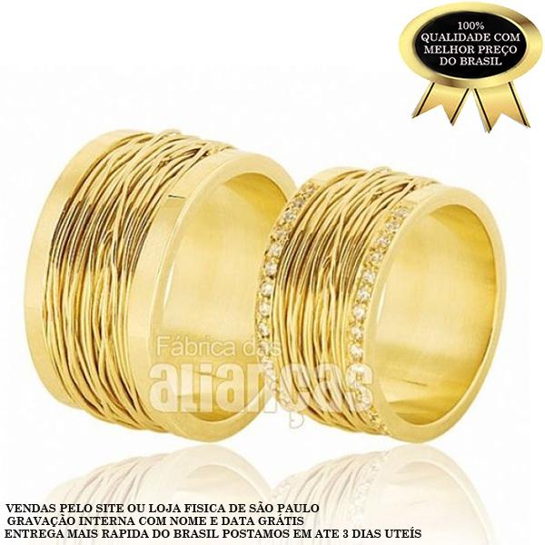 Par De Alianças De Ouro 18k 0,750 Com Diamantes