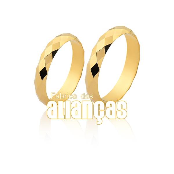 Alianças de Ouro 10k Facetada