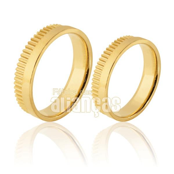 Alianças De Noivado e Casamento Em Ouro Amarelo 18k 0,750 Fa-922