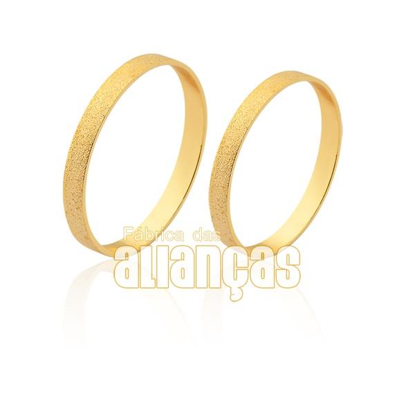 Aliança fina de casamento em ouro 18k