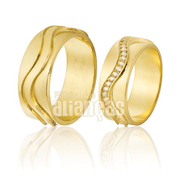 Alianças De Noivado e Casamento Em Ouro Amarelo 18k 0,750 Fa-647