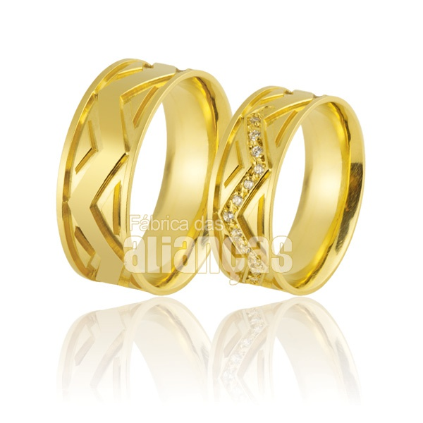 Alianças De Noivado e Casamento Em Ouro Amarelo 18k 0,750 Fa-861