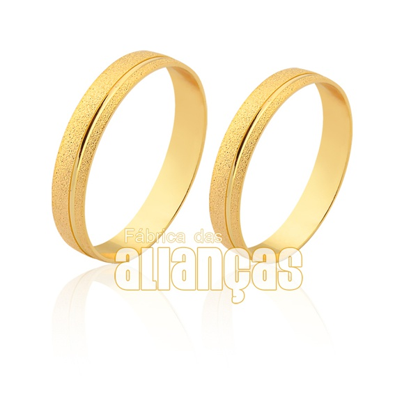 Alianças de ouro com friso