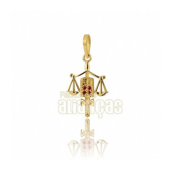 Pingente De Formatura De Direito Em Ouro Amarelo 18k 0,750 P-01