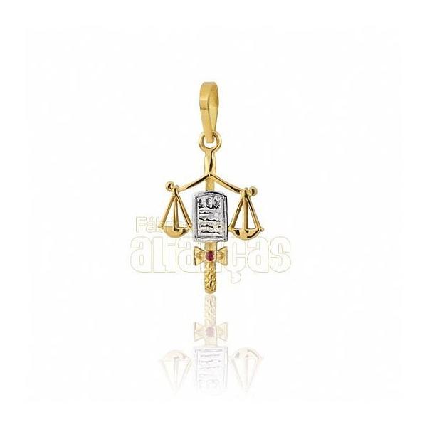 Pingente De Formatura De Direito Em Ouro Amarelo 18k 0,750 P-09