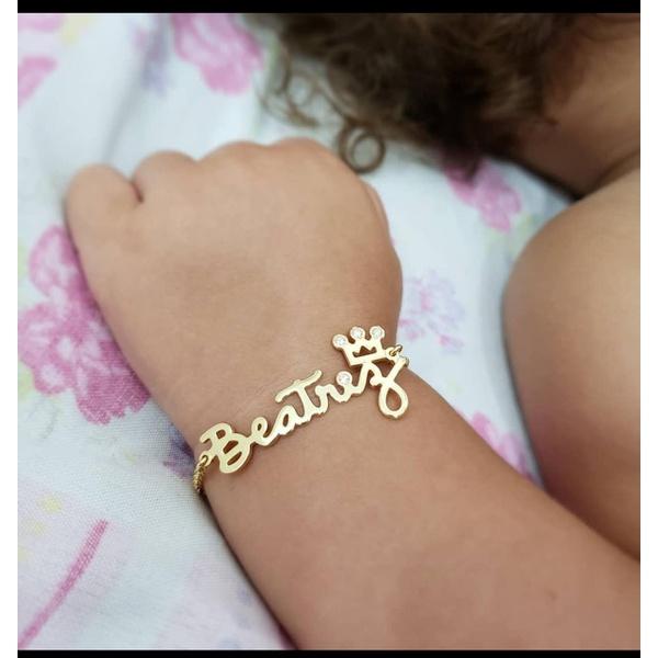 Pulseira Personalizada Infantil Banhada a Ouro Com Detalhe de Coroa e Pedras