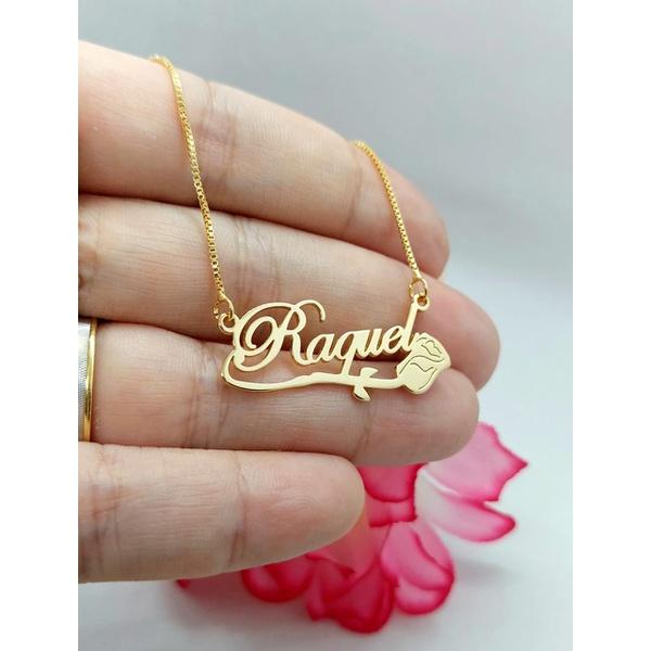 Colar Personalizado Banhado a Ouro Com Detalhe de Rosa Inferior