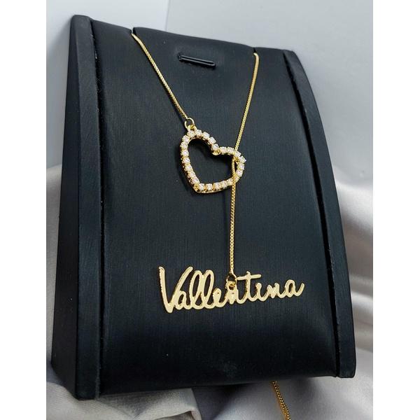 Colar Gravatinha Personalizado Nome e Coração Cravejado Banhado a Ouro