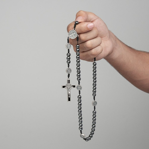 Terço São Bento Hematita 8mm com Medalhas no Pai Nosso
