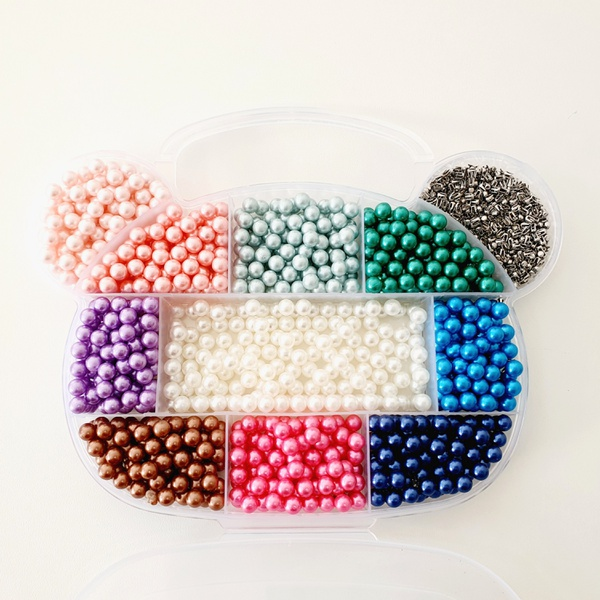 Caixa com 1100 pérolas coloridas de 6mm - KIT-6P - BOUTIQUEDASRENDAS