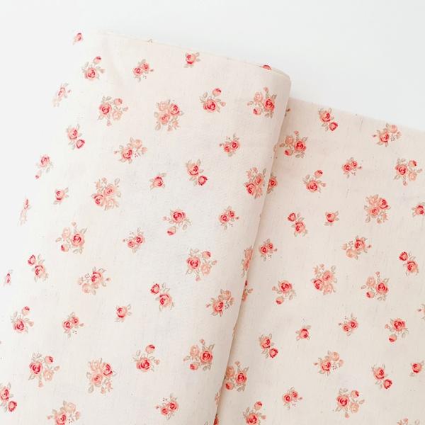 Tecido Cambraia de Linho Floral - Coral - 485.396.... - BOUTIQUEDASRENDAS