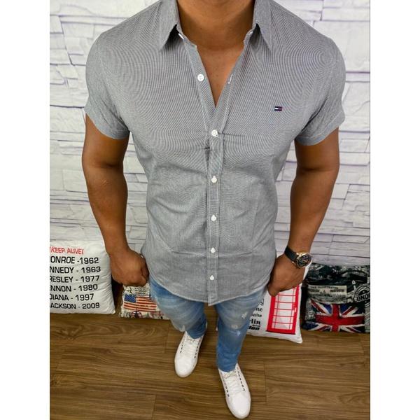 Camisa Manga Curta Tommy - Detalhada Preta
