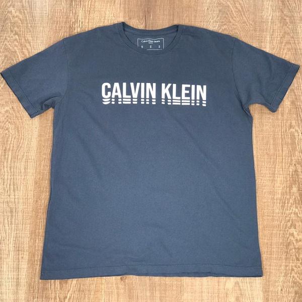 Camiseta CK Cinza