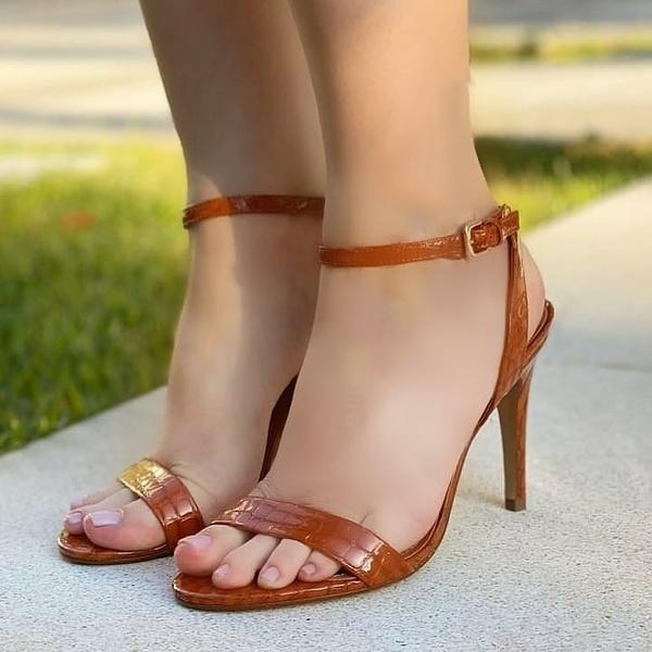 Sandália Tabita Camel Fino