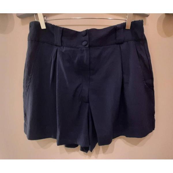 Short Linho Botões Azul Marinho - Plus Size