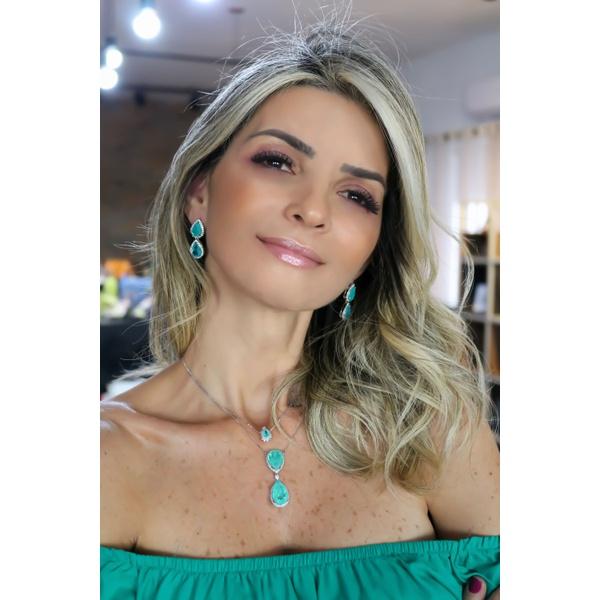 Colar Gravata Duas Gotas em Esmeralda Colombiana envolvido com Micro Zirconias