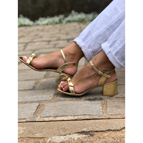 Sandália Dourada Donna Clô