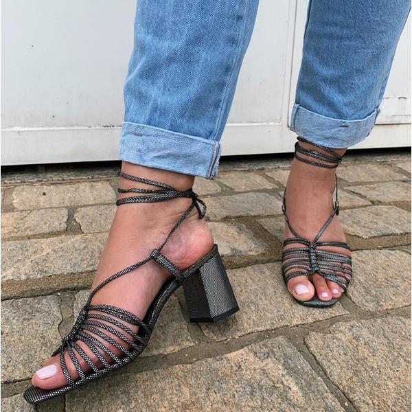 Sandália holográfica Donna Clô